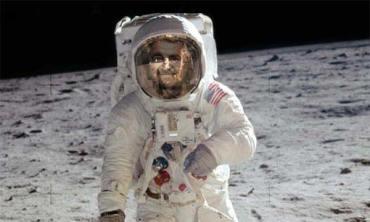 Grillo sulla Luna