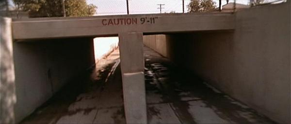 """""""Attenzione all'11 settembre"""" Fotogramma dal film Terminator 2 (1991)"""