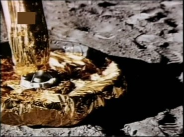 """Particolare dei """"piedi"""" del Lem sulla Luna (clicca per ingrandire)"""