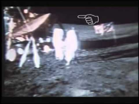 Cavi che sorreggono gli astronauti
