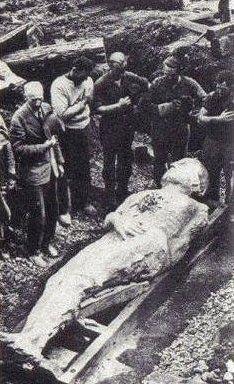 Uomo gigantesco ritrovato in Irlanda nel 1895